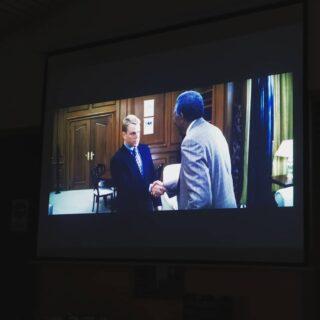 Questa sera in ritiro stiamo guardando Invictus. Il film racconta di come Nelson Mandela, chiese alla Nazionale di rugby del 🇿🇦 Sud Africa di aiutarlo ad unire il Paese per uscire definitivamente dall'Apartheid. Con questo film cerchiamo di capire meglio cosa possa significare lo sport.